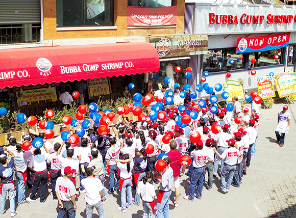 "2004, ""Bubba Gump Shrimp Bali Store"" Opened"